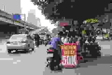 """Người dân hoang mang giữa """"ma trận"""" bảo hiểm xe máy"""