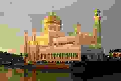 Choáng ngợp cung điện dát vàng lớn nhất thế giới tại Đông Nam Á