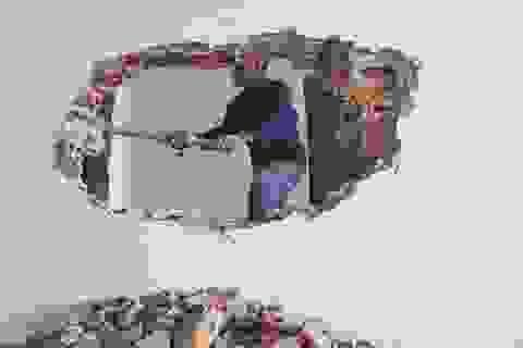 Hình ảnh phá dỡ trên tầng 18 tòa nhà 8B Lê Trực
