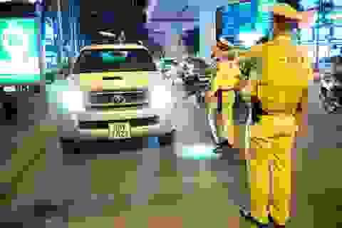 Tài xế ô tô bị phạt 35 triệu, tước GPLX 23 tháng do vi phạm nồng độ cồn
