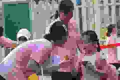 Trẻ mầm non đi học trở lại: Con cười tươi, mẹ... khóc!