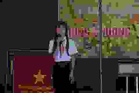 Cô học trò ở làng Điêk Lò 1 đam mê kể chuyện Bác Hồ