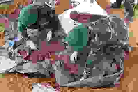 Phát hiện hài cốt liệt sĩ trong hòm gỗ, kèm tấm tôn ghi danh tính