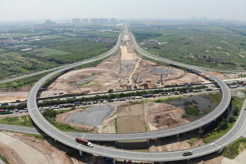 Nhìn từ trên cao dự án đường nối vành đai 3 với cao tốc Hà Nội - Hải Phòng