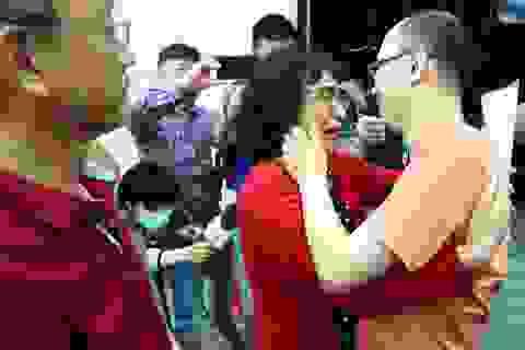 Gặp lại con trai sau 32 năm bị bắt cóc