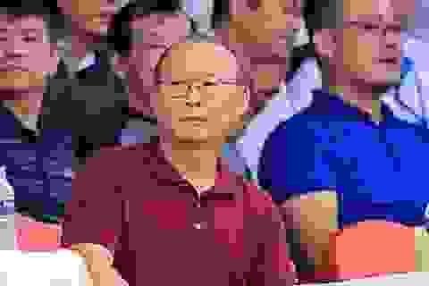 """HLV Park Hang Seo đến Thiên Trường """"xem giò"""" cầu thủ HA Gia Lai"""