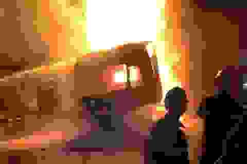 Xe đầu kéo bốc cháy biến thành ngọn đuốc khổng lồ trên quốc lộ 1A