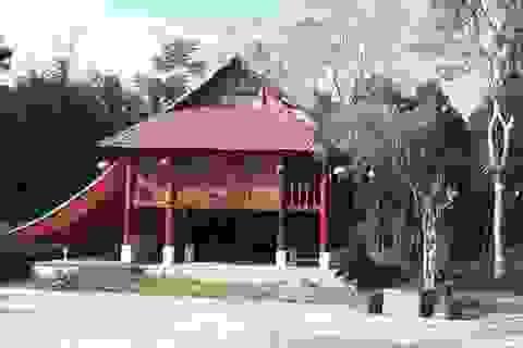 Xây dựng nhà sàn trái phép trong khu di tích lịch sử văn hóa