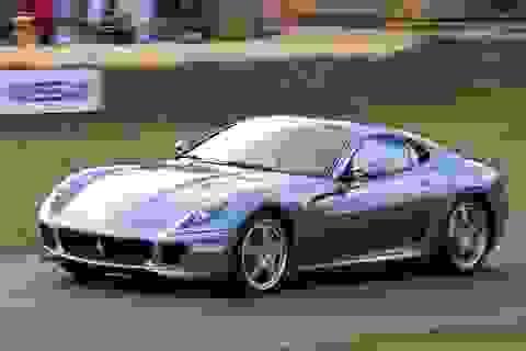 Thêm siêu xe Ferrari vô chủ tại cảng Đình Vũ