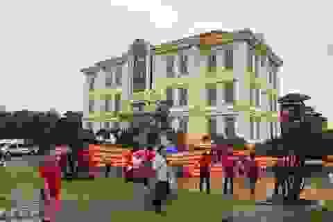 TPHCM: Người dân căng băng rôn đỏ rực tố chủ đầu tư dự án lừa đảo