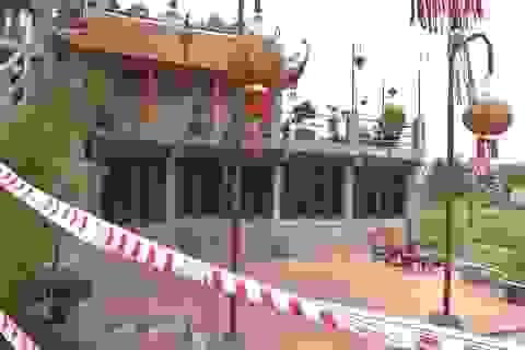 Ngôi đền nghìn năm tuổi ở Hà Nội đối diện nguy cơ bị cuốn trôi