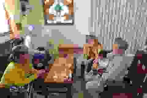 Bé gái 3 tháng tuổi bị bỏ trước cổng chùa, nhờ sư cô nuôi dưỡng