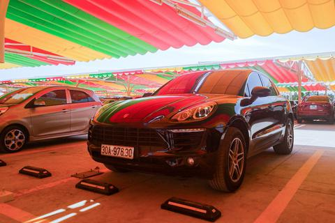 Đại gia Việt bán Porsche, Mercedes đổi lấy ô tô VinFast