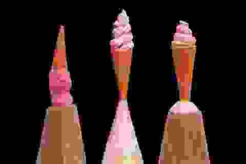 Những tác phẩm điêu khắc bé bằng đầu bút chì có giá 60 triệu đồng