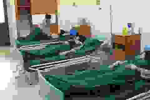 Sơn La: Gần 40 vận động viên nhập viện sau bữa ăn tối