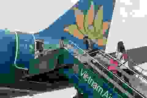 Phạt khách nữ gây náo loạn máy bay 8,5 triệu đồng