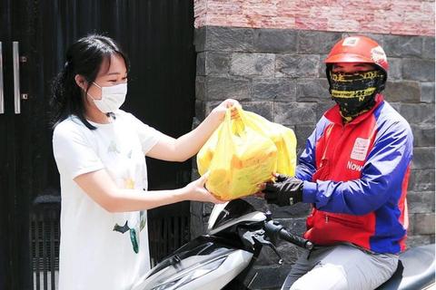 """""""Đi chợ Online"""" giải pháp mua sắm tiết kiệm của bà nội trợ Việt"""