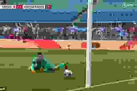 Bắt bóng thảm họa, thủ môn Hertha Berlin khiến đội nhà suýt thua