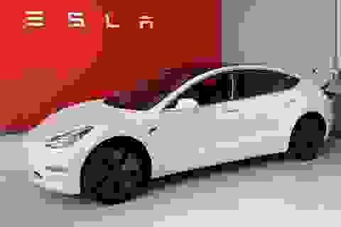 Không chịu nổi cảnh ế ẩm vì dịch Covid-19, Tesla bắt đầu giảm giá xe