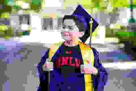Cậu bé 13 tuổi có 4 bằng tốt nghiệp cao đẳng