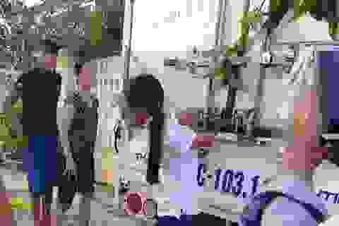 Công an vào cuộc vụ bé gái 12 tuổi bị cột chân, trói tay vào thùng xe tải
