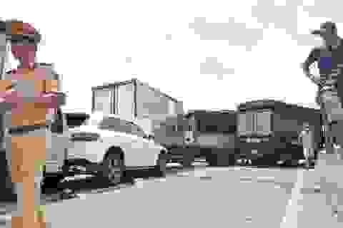11 ô tô tông nhau liên hoàn, nhiều người mắc kẹt, bị thương