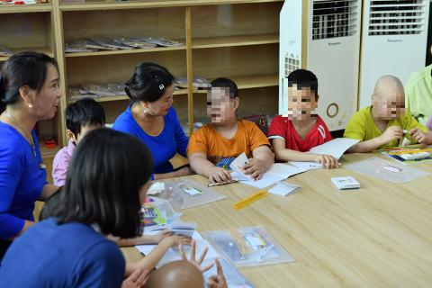 Lớp học Hạnh phúc trong Bệnh viện K dành cho bệnh nhi ung thư