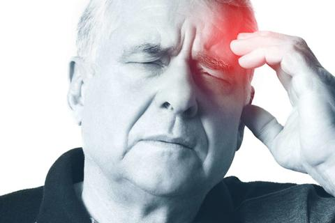 Dùng điều hòa sai cách, người già đối mặt nguy cơ méo miệng, liệt nửa người