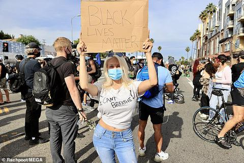 """""""Sao"""" Hollywood xuống đường biểu tình đòi quyền lợi cho người da màu"""