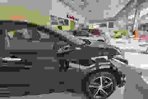 Vì sao ô tô giảm giá từ nay đến cuối năm?