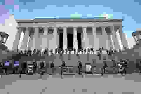 Hàng nghìn binh sĩ Mỹ tỏa khắp tuyến đường trấn áp bạo loạn
