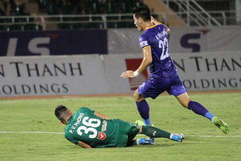 Tiến Linh nhạt nhòa, B.Bình Dương hòa bế tắc trước Sài Gòn FC