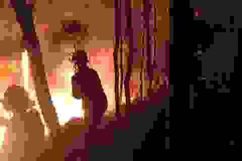 Suốt đêm dập đám cháy rừng