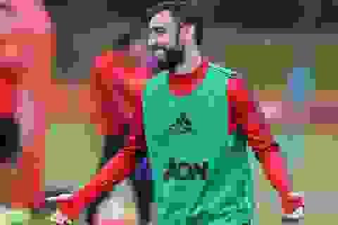Pogba, Fernandes vui vẻ trong buổi tập toàn đội Man Utd