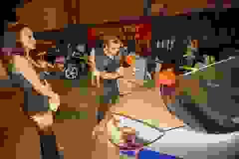 """Tổ công tác """"nắm đấm thép"""" của Công an Hà Nội xử phạt vi phạm giao thông"""