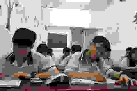 """TPHCM: 30.000 học sinh """"rớt"""" lớp 10 công lập, vẫn... tha hồ chỗ học"""