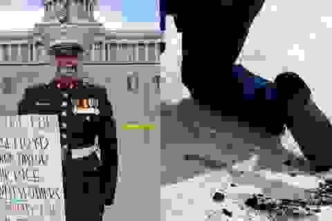 Cựu binh Mỹ biểu tình nhiều giờ dưới nắng 38°C đến mức nóng chảy đế giày