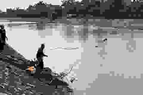 Tìm thấy thi thể người đàn ông bơi nhiều lần qua sông để… tự tử