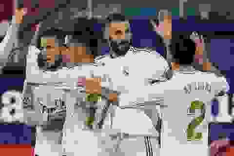 Real Madrid gồng mình trong cuộc đua vô địch với Barcelona