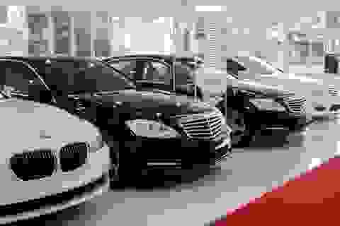 Biến động thị trường xe mới khiến xe sang đời cũ mất giá hàng loạt
