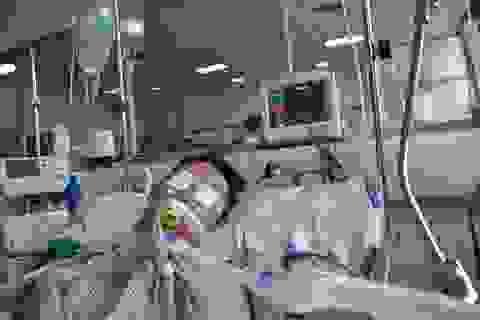 Xót xa hoàn cảnh người bố 2 con tính mạng nguy kịch vì bị xe máy đè dưới ao