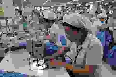 TPHCM: Người lao động vẫn chật vật với lương tối thiểu vùng