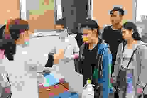 Covid-19: Sinh viên Lào trở lại Hà Tĩnh, học online ở khu cách ly tập trung