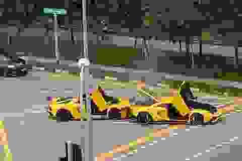 "Cú va chạm ""triệu USD"" của hai chiếc Lamborghini Aventador S"