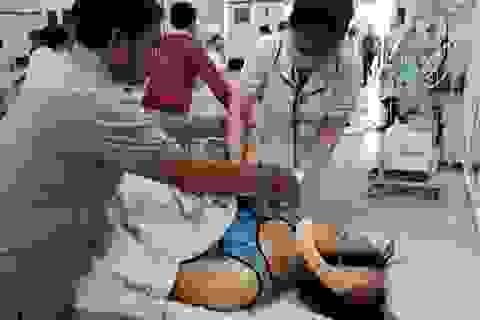 Vụ xe tải lật đè nhiều tiểu thương: 5 nạn nhân tử vong