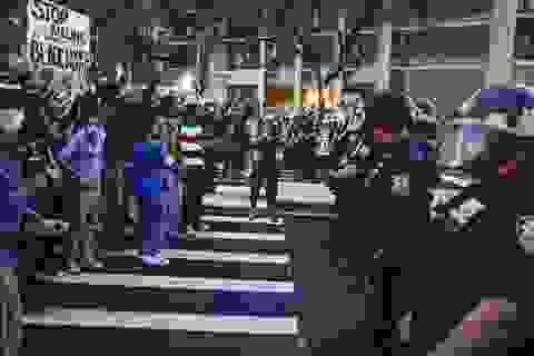 New York ra luật cấm cảnh sát kẹp cổ nghi phạm