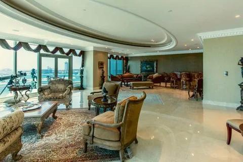 Cận cảnh penthouse 400 tỷ đồng, có cả nút bấm điều trực thăng ở Dubai