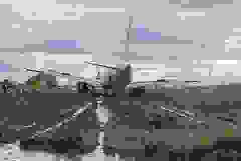 Tạm giữ bằng lái phi công điều khiển máy bay hạ cánh trượt khỏi đường băng