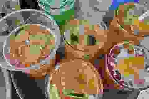 Vỉa hè trà chanh lên giá 15 ngàn đồng, quán cafe thu 100 ngàn đồng/cốc sữa chua