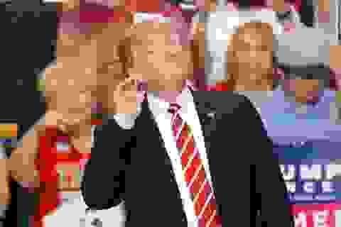 Lo Covid-19, quan chức Mỹ mong ông Trump hoãn sự kiện vận động tranh cử